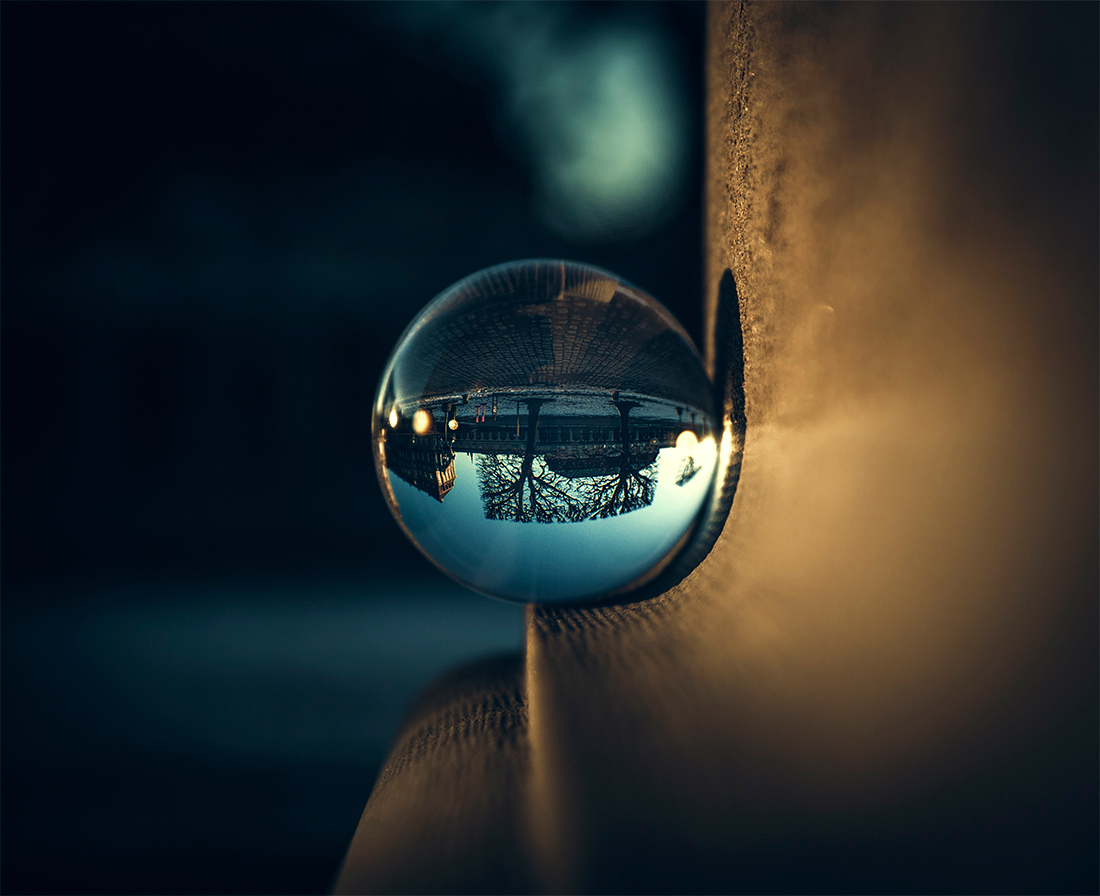 Glass Orb | Center perspective